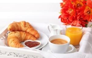 снится завтрак
